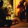 Cand surpriza din cadoul de Craciun e un catelus, reactiile sunt pe masura (VIDEO)