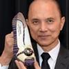 Jimmy Choo isi vinde afacerea!