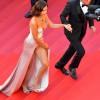 Bella Hadid, cu chilotii la vedere la Cannes