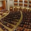 Parlamentarii trec de partea intelectualilor