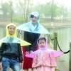Inca o ciudatenie: umbrela-pelerina