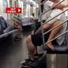 Lumea a luat-o razna! Partida de sex nebun in metrou