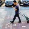Trotuare pentru dependentii de smartphones