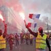 Parisul strange surubul protestelor