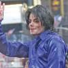 Louis Vuitton renunta la hainele Michael Jackson
