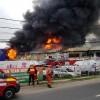 Incendiul din Afumati – trei oameni, dusi la spital (FOTO/VIDEO)