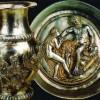 Bulgarii au dus la Bruxelles comorile regilor geti. Noi ne ducem cu carnatii