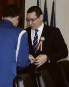 Victor Ponta ia cu japca Internele!