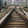 UPDATE Balustrada cazuta pe linia de cale ferata, in Prahova. Circulatia trenurilor, reluata