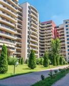 DNA cotrobaie in apartamentele a 87 de demnitari din cartierul lui NIRO!