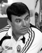 """Fotbalistii """"Generatiei de Aur"""" s-au reunit pentru a-l conduce pe Daniel Prodan pe ultimul sau drum"""