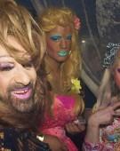 Ambasada Olandei ne umple de cluburi lesbi-gay!