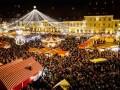 S-au aprins beculetele de Craciun. Capitala si marile orase, luminate ca-n povesti! (FOTO)