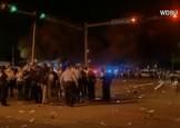 O camioneta a lovit un grup de oameni in SUA: 28 de raniti (VIDEO)