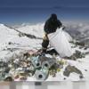 Everestul intra in curatenia de primavara