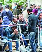 Val de migranti la poarta lui Iohannis!