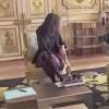 Cainele lui Macron a facut pe Elysee