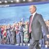 Putin castiga fara sa miste un deget