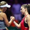 Wozniacki o consoleaza pe Simona Halep
