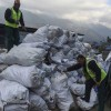 Gunoierii escaladeaza Everestul