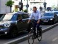 Biciclistul s-a apucat de politica