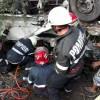 UPDATE: Camioneta cazuta de pe un pod, in Arad. Un om a murit