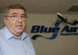 Cum a ajuns Blue Air pe mana sistemului: Omul cui este Racaru?