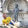 Manneken Pis face pe Neymar