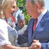 Putin, luat cu invartita la nunta