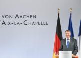 Iohannis nu scapa nicio ocazie sa muste Romania de fund