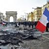 Macron pune catusele pe Vestele Galbene