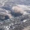 Un excavator urias s-a prabusit la o cariera din Valcea (VIDEO)