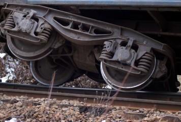 Locomotiva unui tren internațional a deraiat în Arad