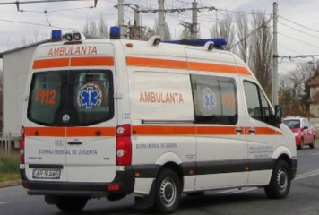 Tânără aflată pe o trotinetă, lovită în plin de o mașină (IMAGINI ȘOCANTE)