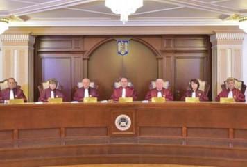 CCR admite parțial conflictul dintre Iohannis și Dăncilă. Ce înseamnă asta