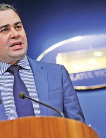 Darius Valcov a parasit echipa premierului Dancila