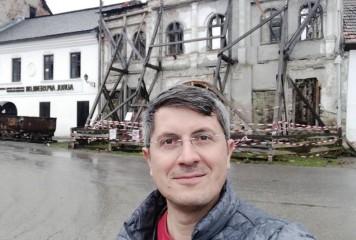 Barna se dă pe brazdă. Îi lasă lui Cioloș Guvernul, dacă iese președinte