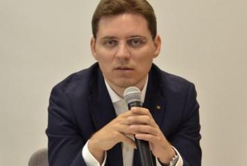 Victor Negrescu: România poate împăca varza și capra la Chișinău