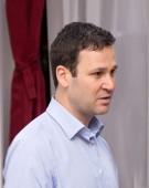 Robert Negoiță: Primăriile sunt văduvite. Guvernul fură banii
