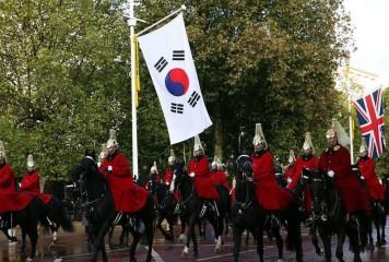 Marea Britanie părăsește UE și se alege cu Coreea de Sud