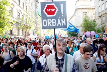 Viktor Orban urmărește să capete controlul asupra cercetării științifice din Ungaria