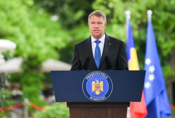 Iohannis sesizează, din nou, CCR privind modificarea Codului Rutier