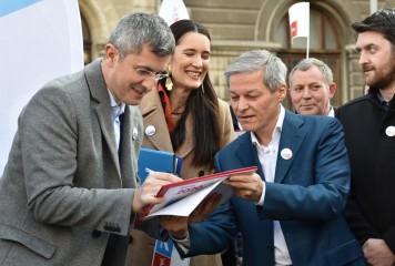 Barna pregătește pumnalul pentru spatele aliatului Cioloș. Șeful USR vrea la prezidențiale