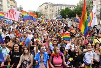 """Homosexualii iau urma Revoluției Franceze, la Varșovia: """"Libertate, Egalitate, Dragoste"""""""
