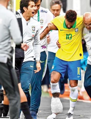 Neymar, cu un picior in gips, cu celalalt in inchisoare