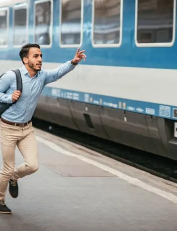 """""""Nașul"""" care și-a pierdut trenul, atletul Gării de Nord (VIDEO)"""