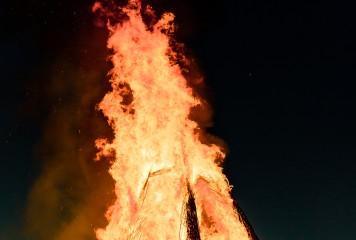 Românii incendiați în somn  la Londra. Focul ucigaș a fost stârnit deliberat