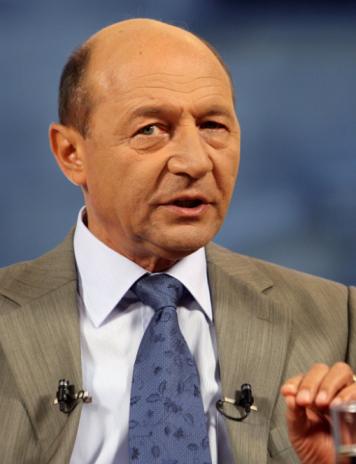 """Băsescu: """"Conştiinţa democratică a lui Timmermans şi-a terminat gazul"""""""