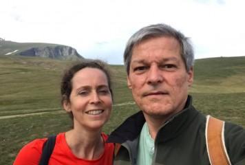 Selfie. Ciolos, in week-end pe carari de munte cu sotia