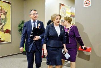 Dancila face pace cu Bruxellesul. Ce castiga Romania?